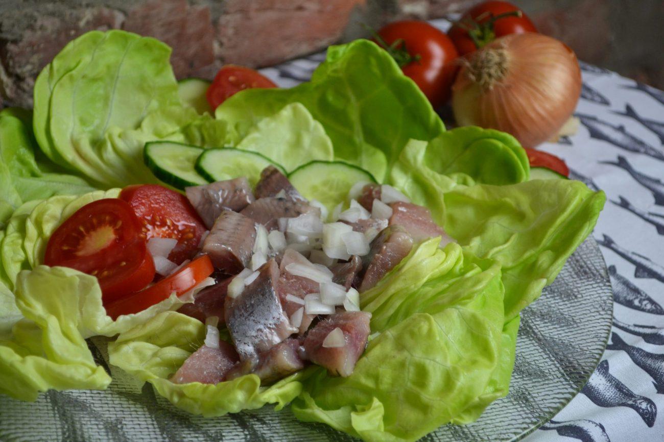 Matjes mit Salat
