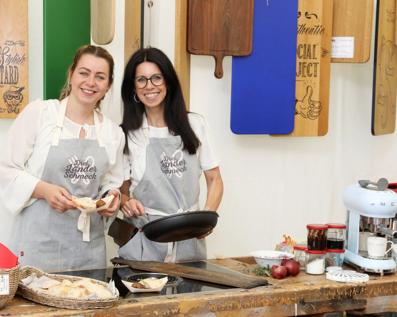 Anke und Katja kochen auf dem CHIO