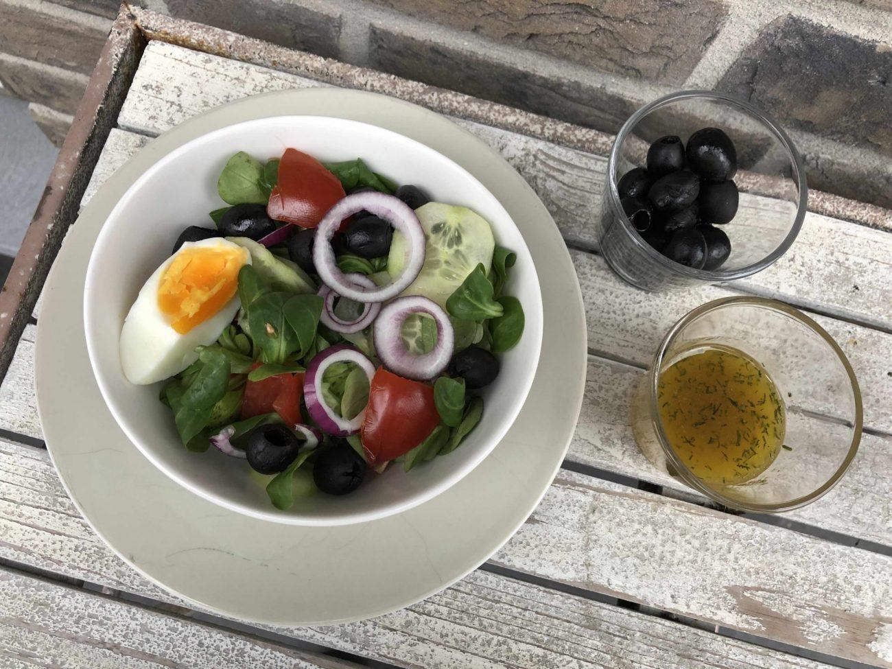 Salat mit klassischer Vinaigrette