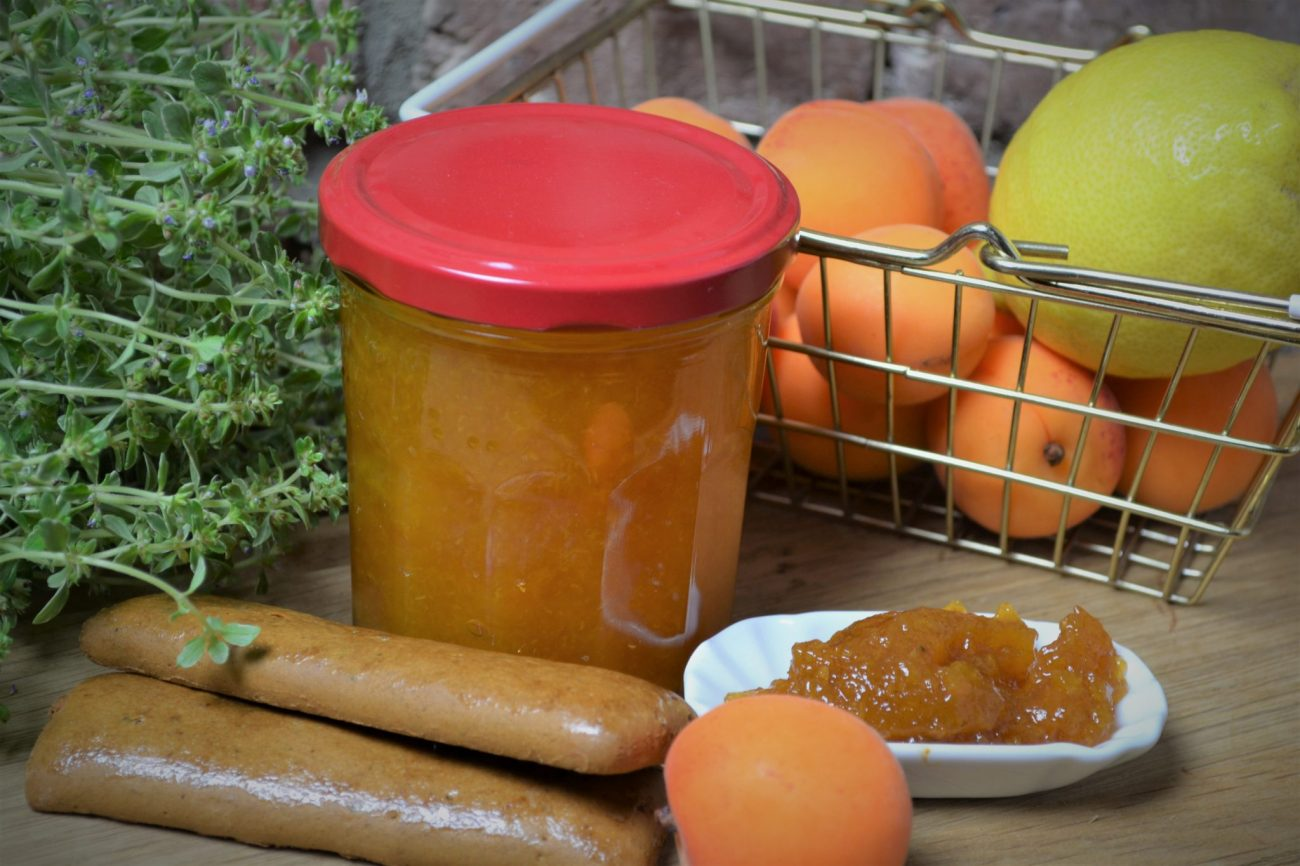 Marmelade aus Aprikosen mit Printengewürz